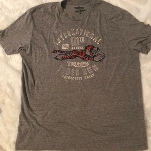Lucky brand triumph shirt XL